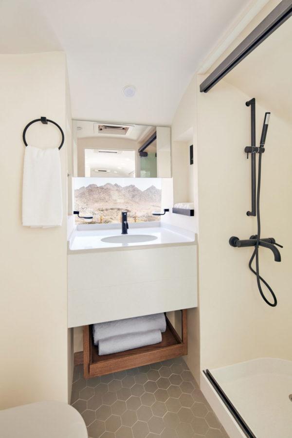 Bathroom_Close_WEB
